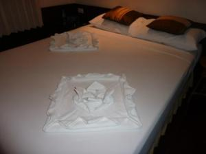 Inrawadee Resort bed