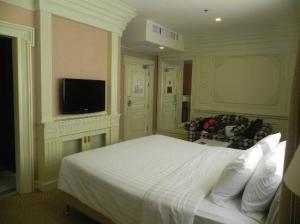 Kingston Suites Bangkok bedroom