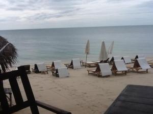 Samui Beach Resort chairs waiting custommers