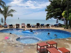 Seascape Beach Resort poolside