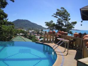 Varinda Garden Resort swimming pool