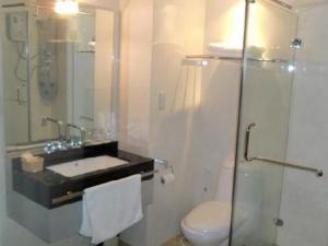 boss-suites-banggkok-bathroom