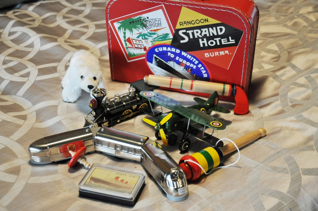 Queen Mary Art Deco Festival vintage toys packing list