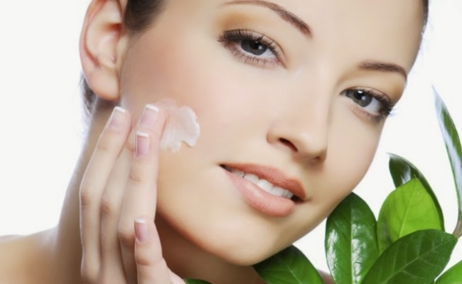 Use Smooth Aloe Vera Skin Care Cream To Make Your Skin Silky