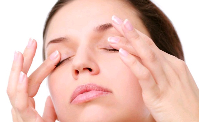 Massage Eyelid