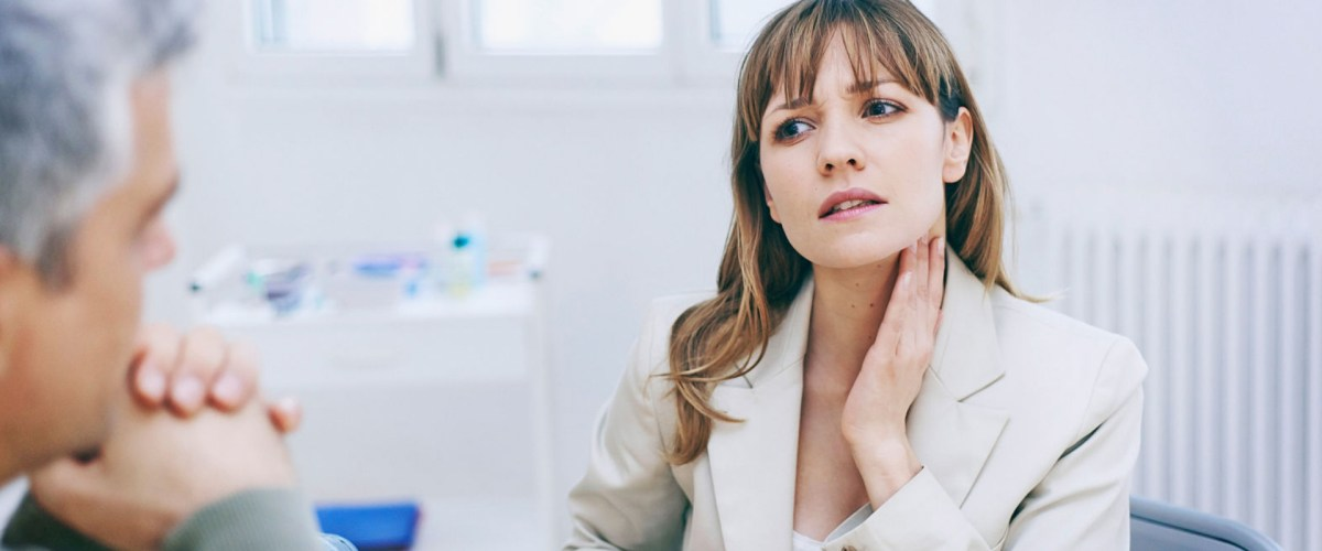 5 Major Warning Signs And Steps To Avoid Throat Cancer In Women