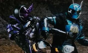 父・深海大悟が変身した仮面ライダーゼロスペクターと、息子・深海マコトが変身した仮面ライダースペクター