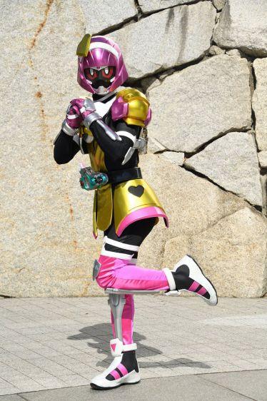『仮面ライダーエグゼイド』第26話でポッピーピポパポが「仮面ライダーポッピー」に変身!