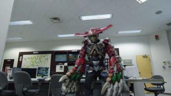 『仮面ライダービルド』錠前ボトルが完成!ライオンクリーナー VS 研究員スマッシュ!東都先端物質学研究所がヤバい…