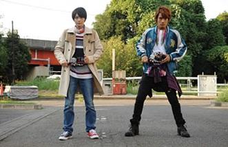 『仮面ライダービルド』桐生戦兎と万丈龍我のダブル変身