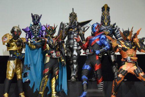 仮面ライダーブラッドは勝村政信さん、ゼブラロストスマッシュは藤井隆さん、シザーズロストスマッシュは松井玲奈さんが変身!