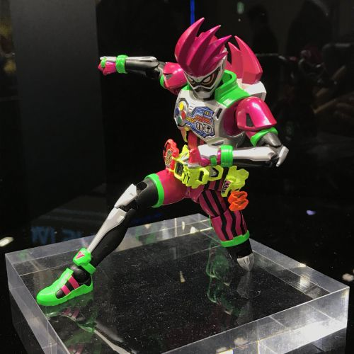「Figure-rise Standard」仮面ライダービルド、仮面ライダーエグゼイド、仮面ライダー555、仮面ライダーカブト