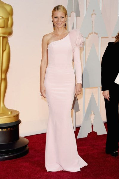 gwyneth-paltrow-oscar-dress-lady-goldapple
