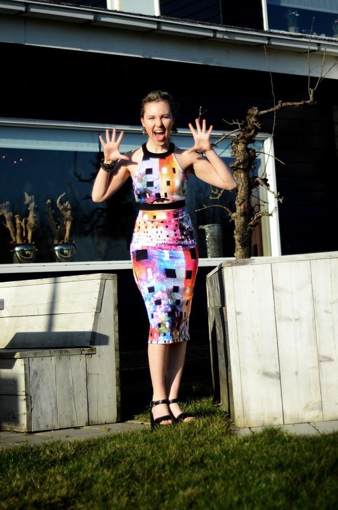 surprise, lady goldapple, two piece dress, colourful summer dress, asos dress