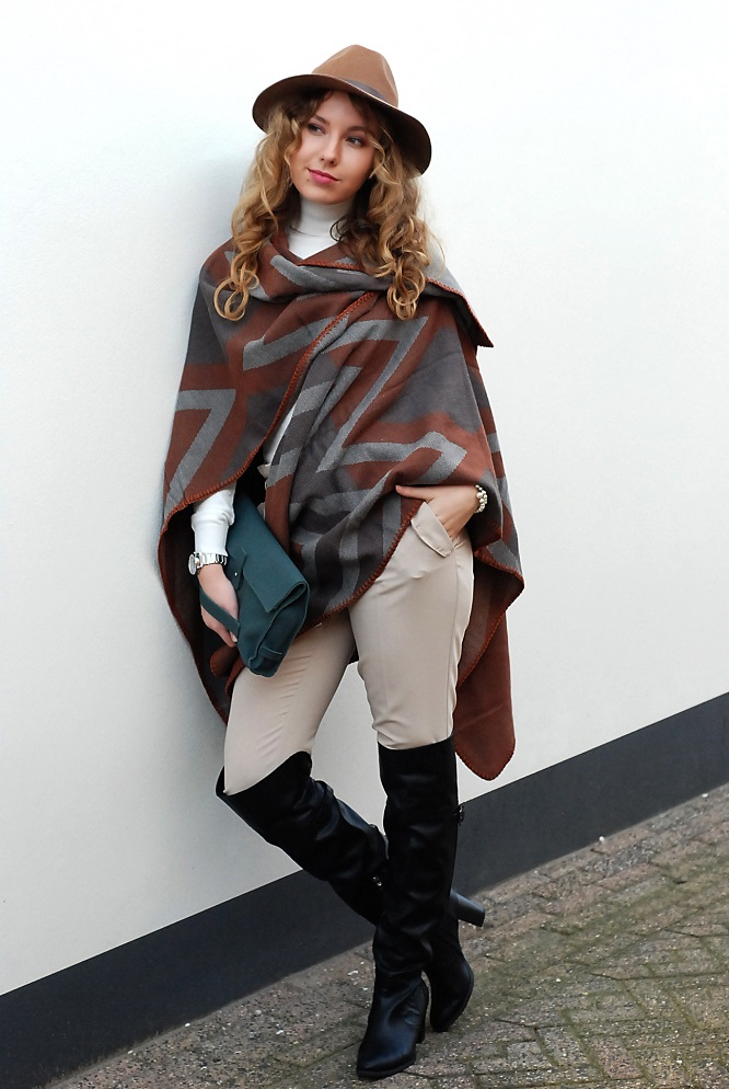 the Poncho | Lady Goldapple