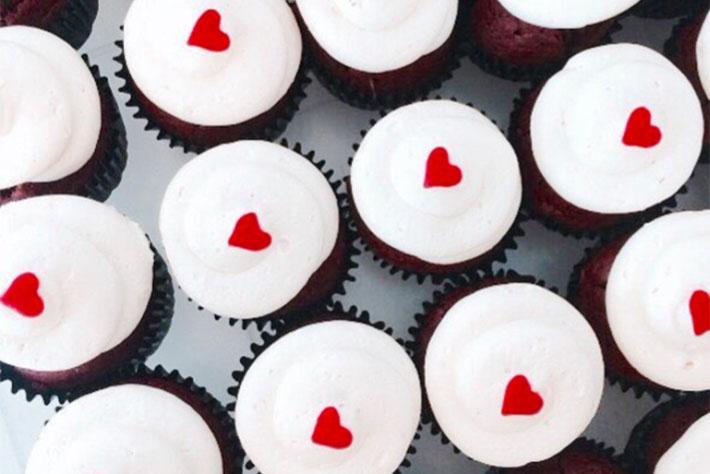 Fluffy-Bakery-Nutella-Red-Velvet-Cupcakes