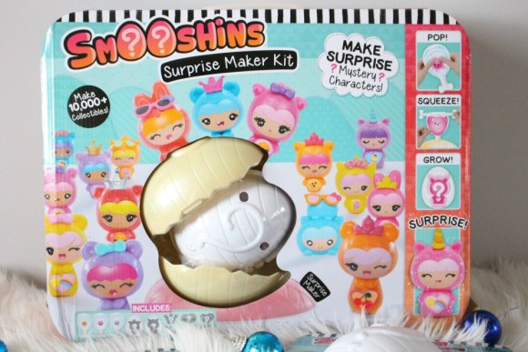 Holiday Gift Guide: Smooshins Surprise Maker Kit | Review + Giveaway