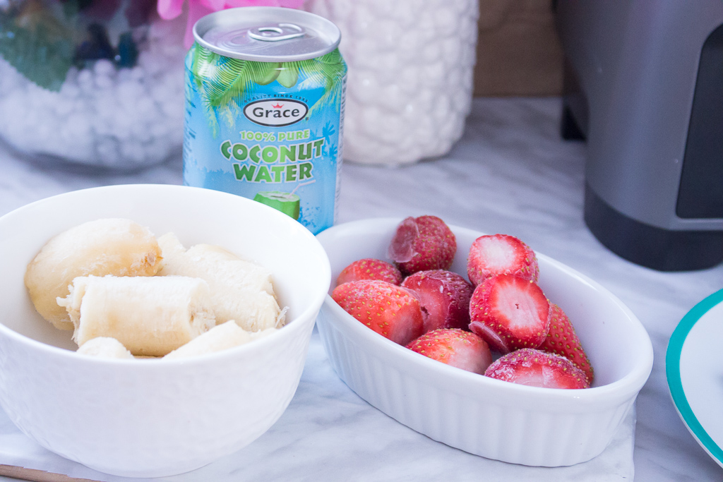 Delicious And Simple Smoothie Bowl Recipe To Jump Start Your Day