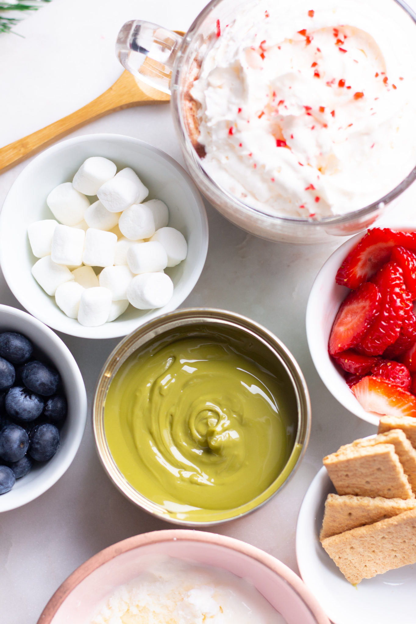 Must-Haves For The Ultimate Chocolate Fondue Party