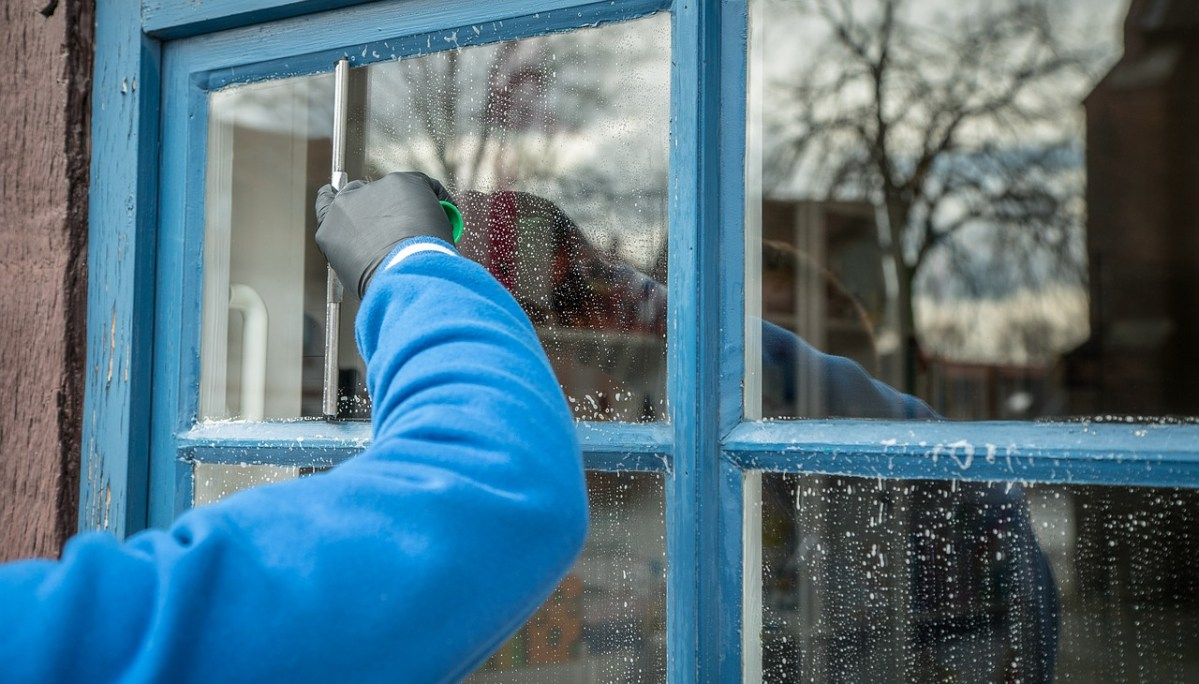 Things To Keep In Mind When Choosing A Window Cleaner