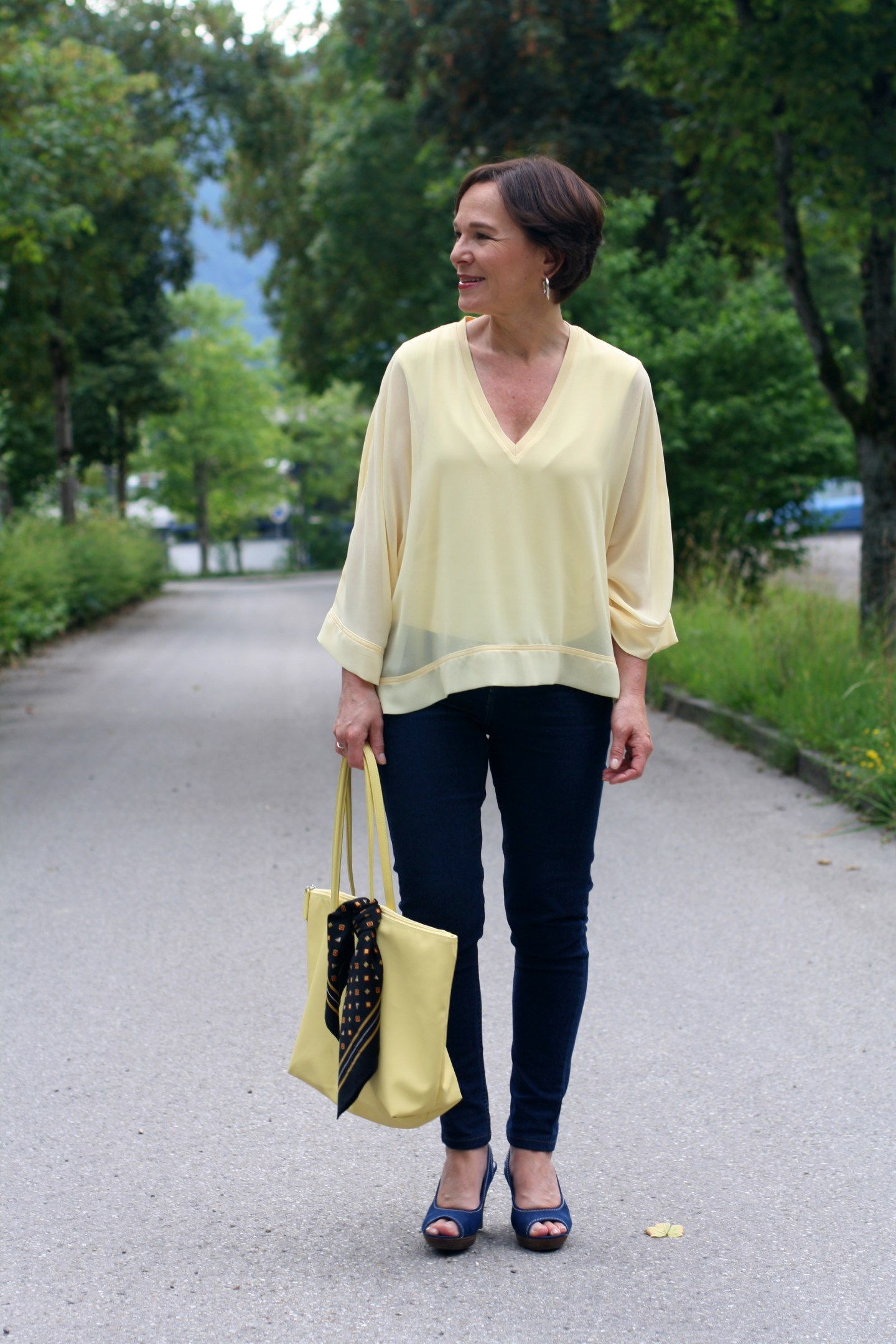Trendfarbe Gelb Skinny Jeans 50plus Blogger LadyofStyle