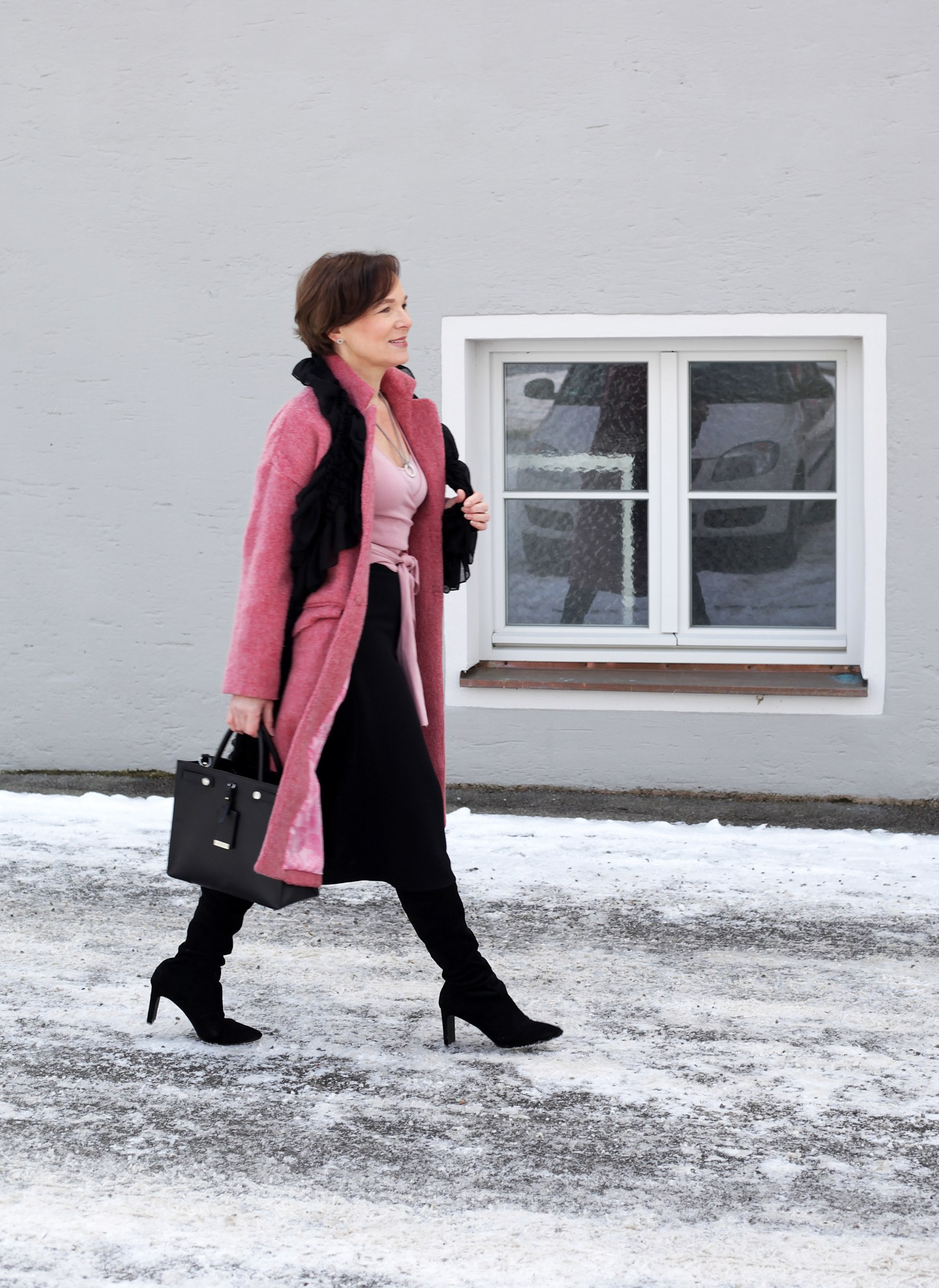 LadyofStyle Wintermode Rosa Wollmantel Rock Wickelpulli 50plus Blogger