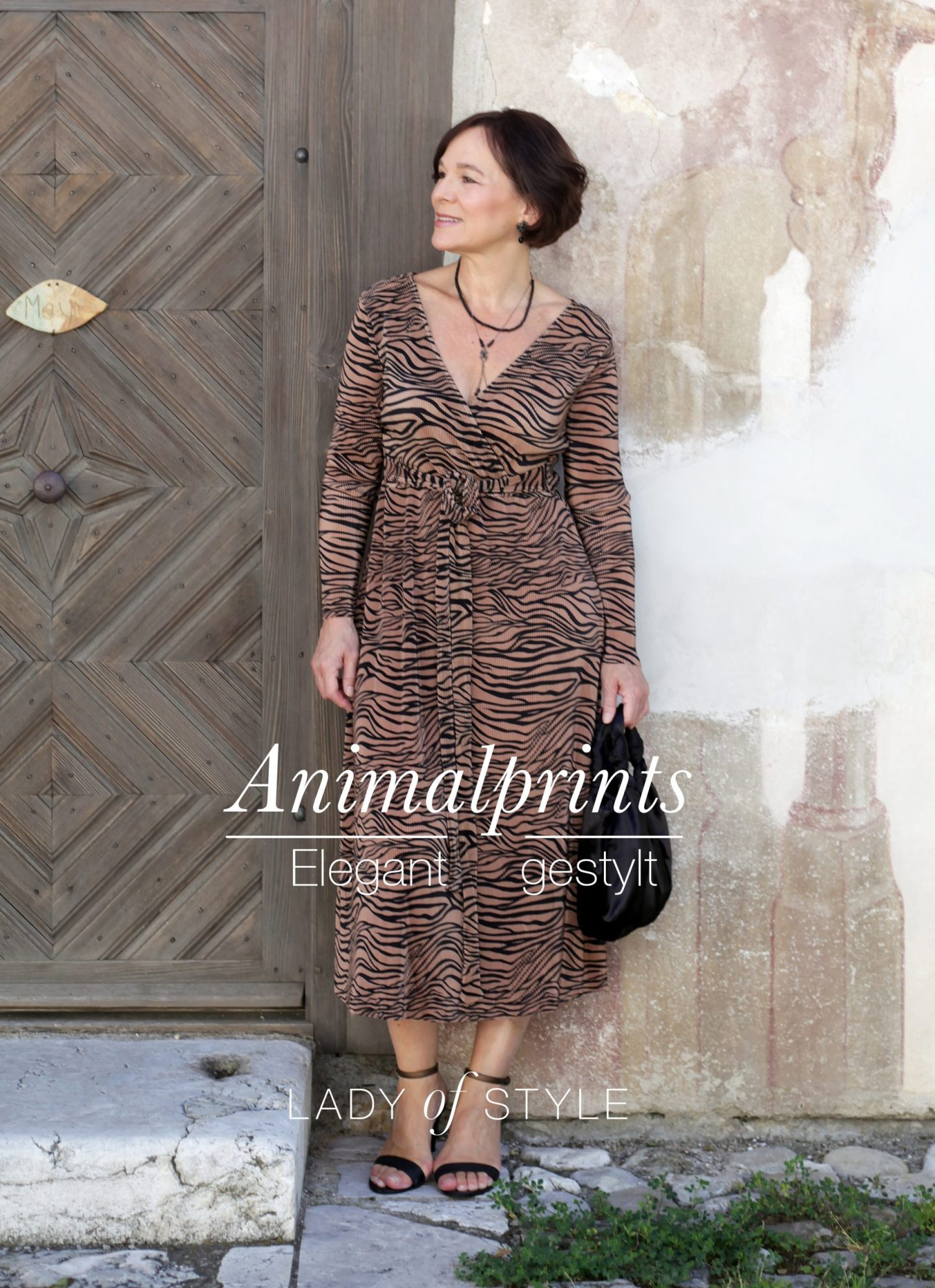 LadyofStyle Animalprints Leokleid Tigermuster Wickelkleid Eleganz 50plus Blogger