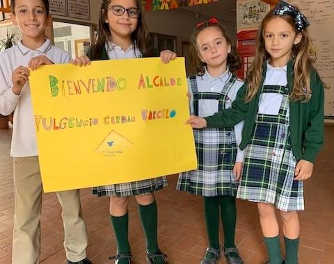 Nuestro alcalde visita el colegio