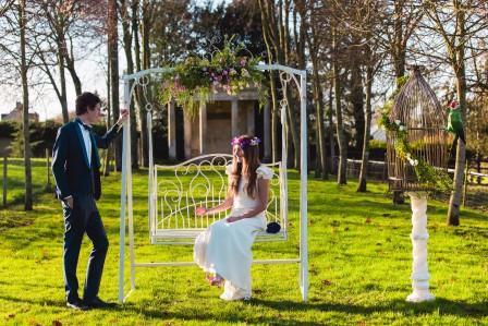 French-Antique-Wedding-shooting-inspiration-mariage-balancelle-1