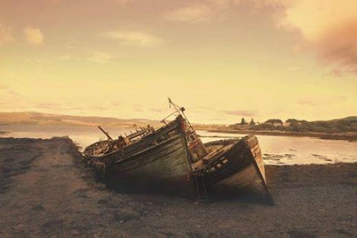 un bateau à la dérive