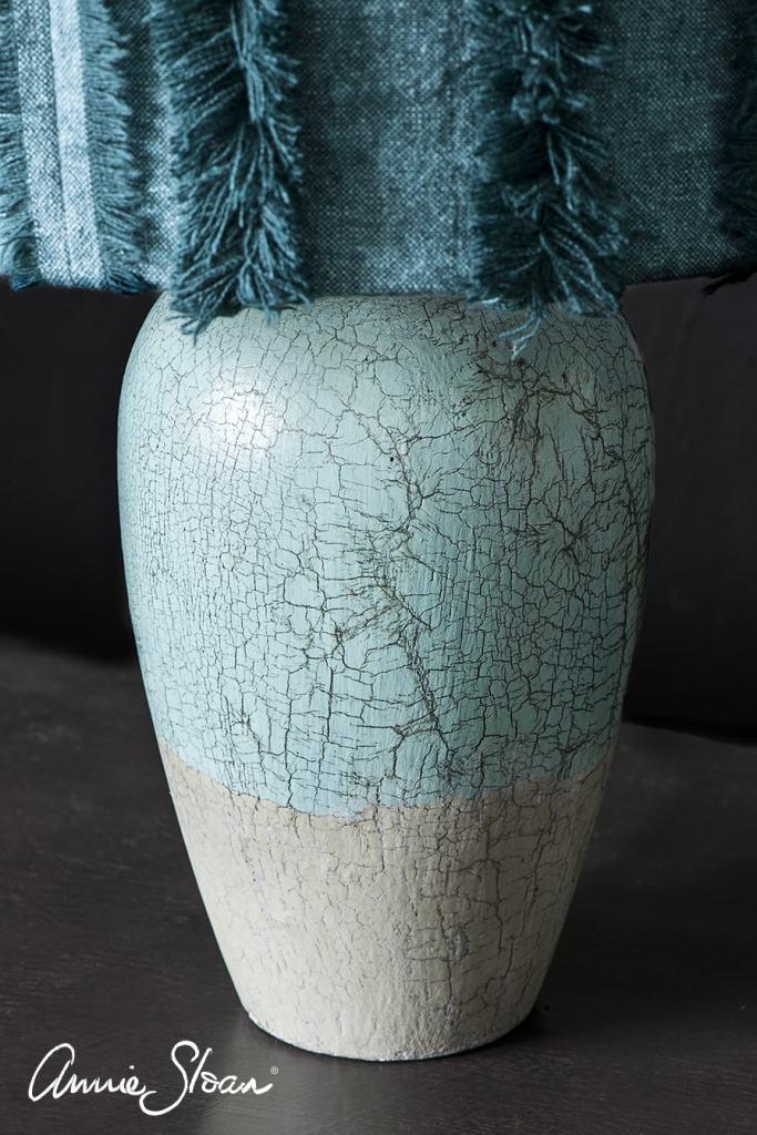 relooking d'un pied de lampe avec l'effet craquelé grâce au craqueleur Annie Sloan