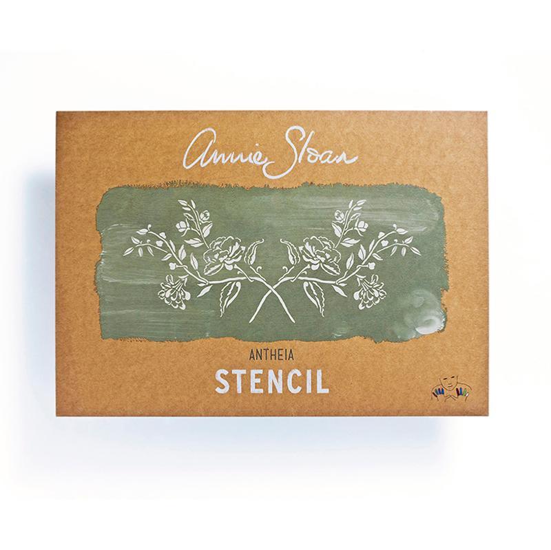 pochoir Annie Sloan pour relooking de meuble à la Chalk Paint