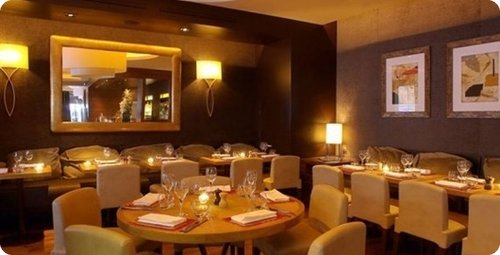 top 10 des restaurants romantiques paris. Black Bedroom Furniture Sets. Home Design Ideas