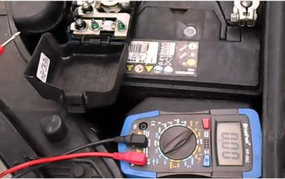 Comment tester un alternateur de voiture ?