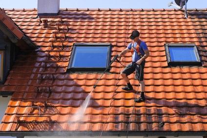 Devis Nettoyage toiture prix et estimatif plus notre guide