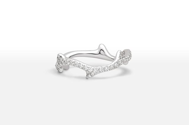Bague-de-fiancailles-Dior-or-blanc-diamants-modele-Bois-de-Rose-La-Fiancee-du-Panda-blog-Mariage-et-Lifestyle