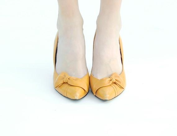 Chaussures de mariee vintage jaunes