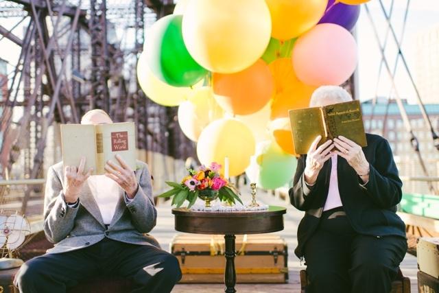 Anniversaire de mariage theme La Haut couple de petits vieux - Cambria Grace - LaFianceeduPanda.com_0004