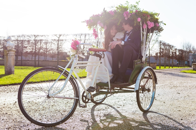 location mobilier deco vintage French Antique Wedding tuk tuk rental - La Fiancee du Panda Blog Mariage