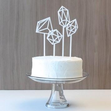 Cake-topper-geometrique-hostandtoaststudio-Etsy-La-Fiancee-du-Panda-blog-Mariage-et-Lifestyle
