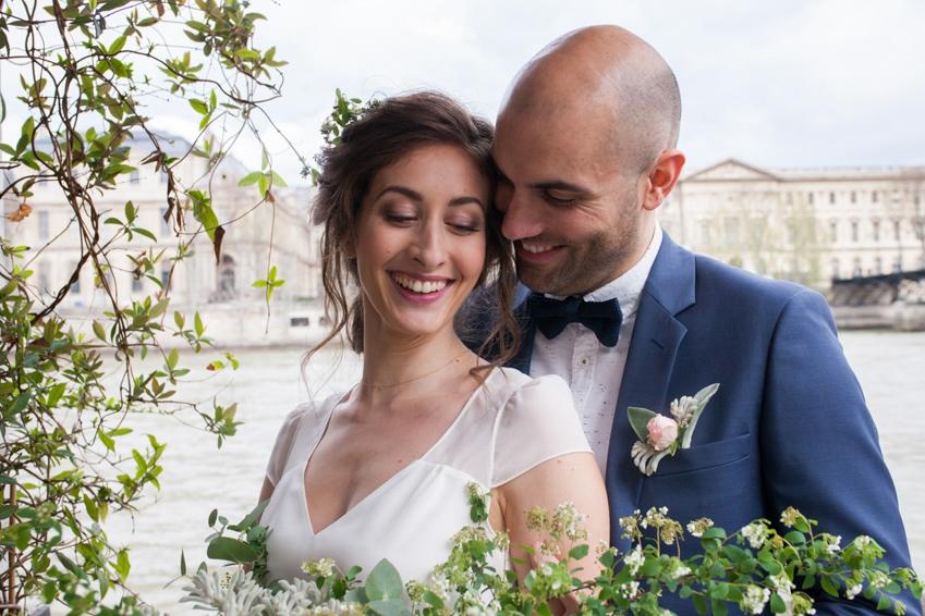 Mariage sur une peniche a Paris deco sur le theme du voyage l Photographe Marine Blanchard l La Fiancee du Panda blog mariage-79