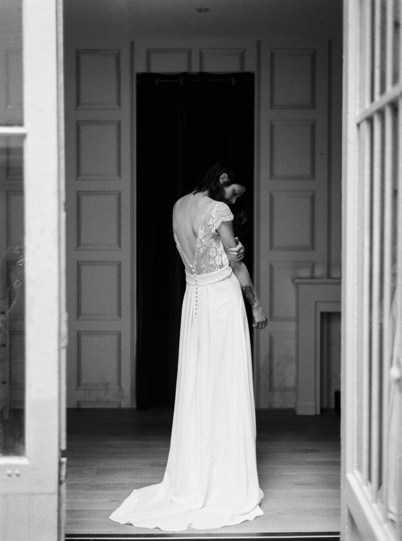 Robe de mariee sur mesure Paris Stephanie Wolff creatrice collection 2017 l Credit photo l'Artisan Photographe l La Fiancee du Panda blog mariage--43