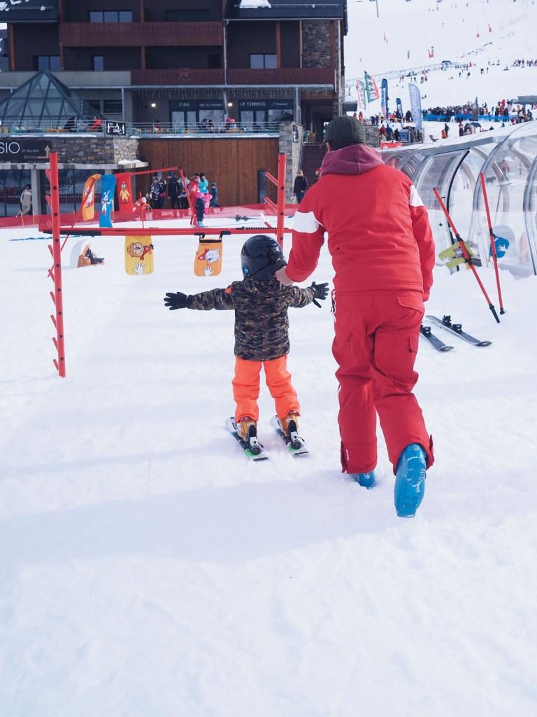 Vacances au ski en famille Hautes Pyrenees bonnes adresses hotel station l La Fiancee du Panda blog mariage et lifestyle-317940