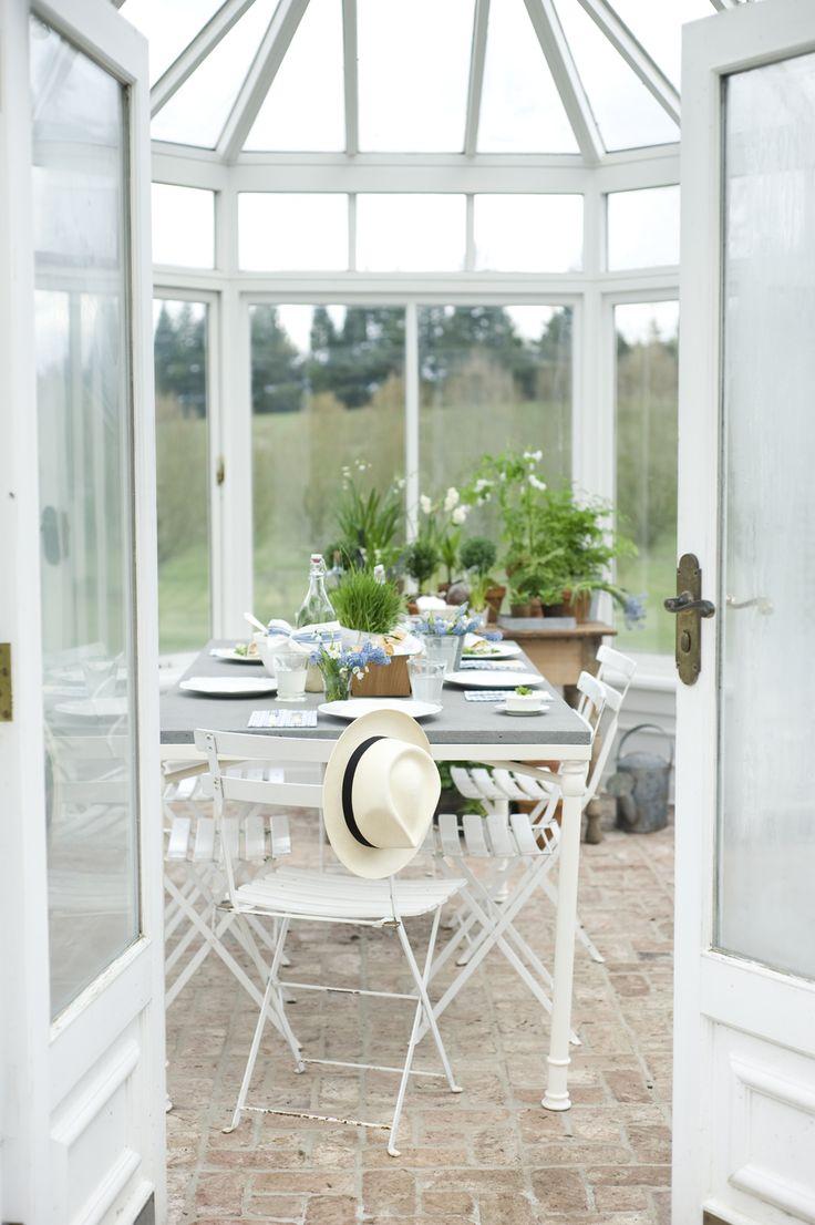 Arredare una veranda a vetri  La Figurina