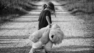Bambina sola