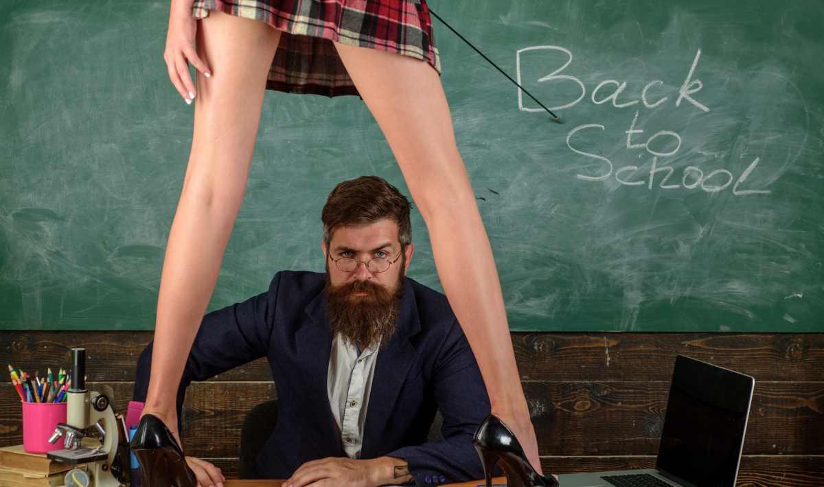Scuola e minigonne: quando servirebbe definire fieramente la maschilità