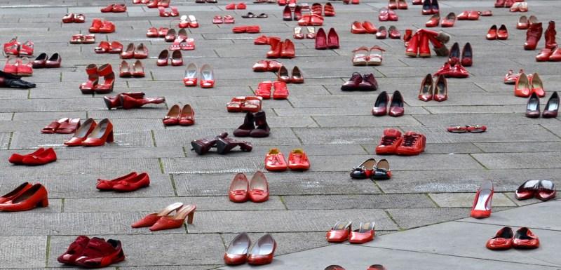 scarpette rosse femminicidio