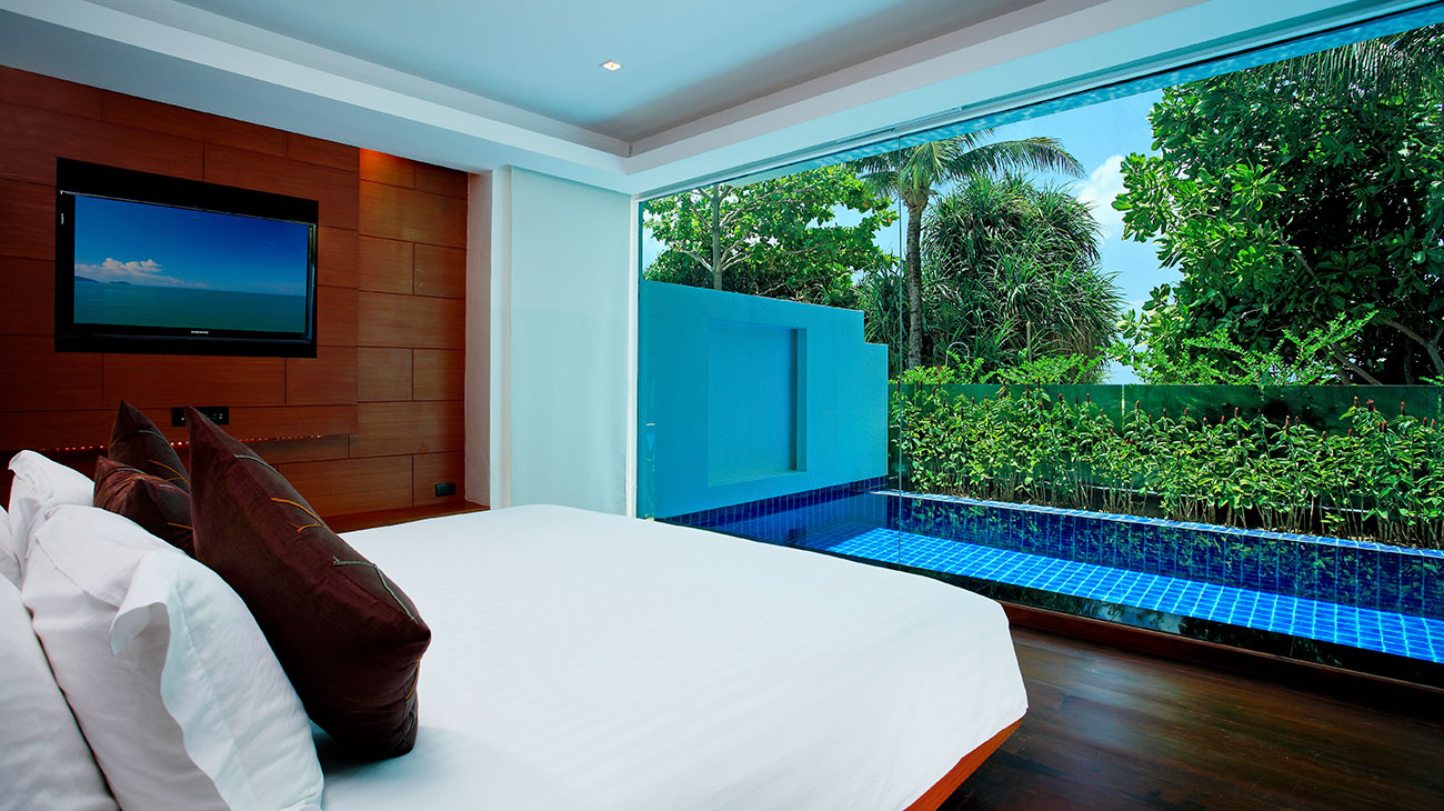 Hotel With Private Pool In Room Near Me Award Winning