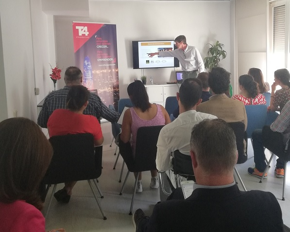 Excelente asistencia de emprendedores en el «Seminario de Franquicias de Éxito» que organiza T4 Franquicias