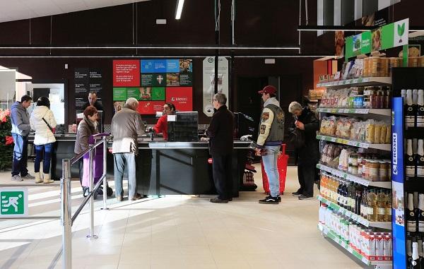 Gureak y Eroski inauguran en Vitoria un supermercado franquiciado gestionado por personas con discapacidad